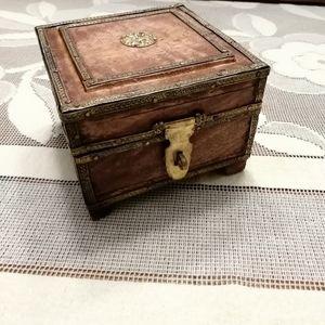 Vintage Tooled Brass Detailed Wood Keepsake Box